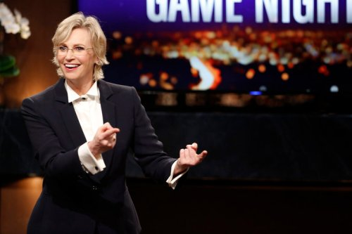 "HOLLYWOOD GAME NIGHT -- ""310"" Episode 310 -- Pictured: Jane Lynch -- (Photo by: Trae Patton/NBC)"