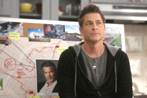 "THE GRINDER: Rob Lowe in the ""The Olyphant In The Room"" time period premiere episode of THE GRINDER airing Tuesday, Jan. 5 (9:30-10:00 PM ET/PT) on FOX. ©2015 Fox Broadcasting Co. Cr: Ray Mickshaw/FOX"