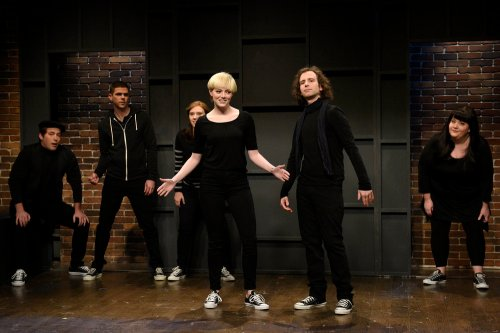 """SATURDAY NIGHT LIVE -- """"Emma Stone"""" Episode 1712 -- Pictured: (l-r) Beck Bennett, Mikey Day, Kate McKinnon, Emma Stone, Kyle Mooney, and Aidy Bryant during the """"High School Theater Show"""" sketch on December 3, 2016 -- (Photo by: Will Heath/NBC)"""